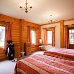 master-room-log-home